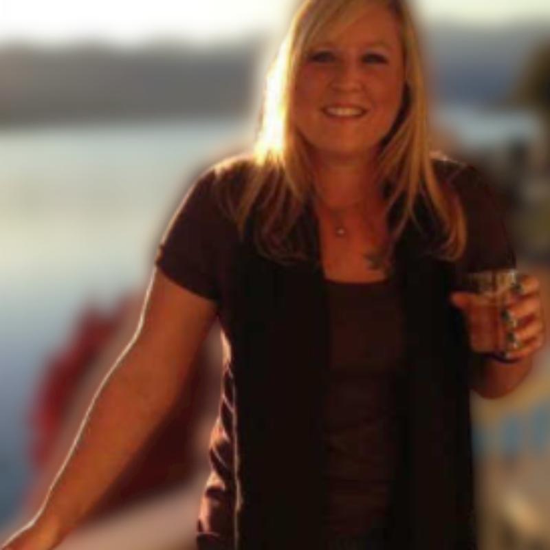 Jennifer_dewees_4-removebg-preview (2)
